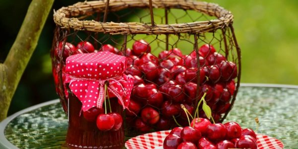 Sweet cherries jam
